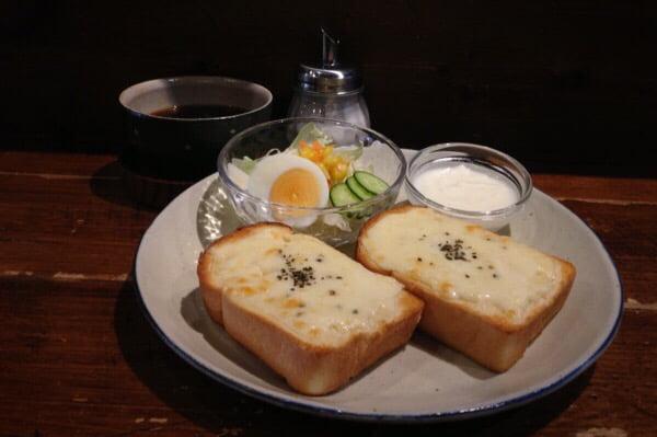 モーニング チーズトースト カフェうさぎとぼく
