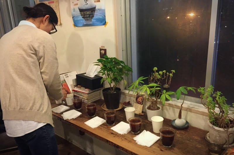 ヨーロッパのロースターさんのコーヒー豆をカッピング