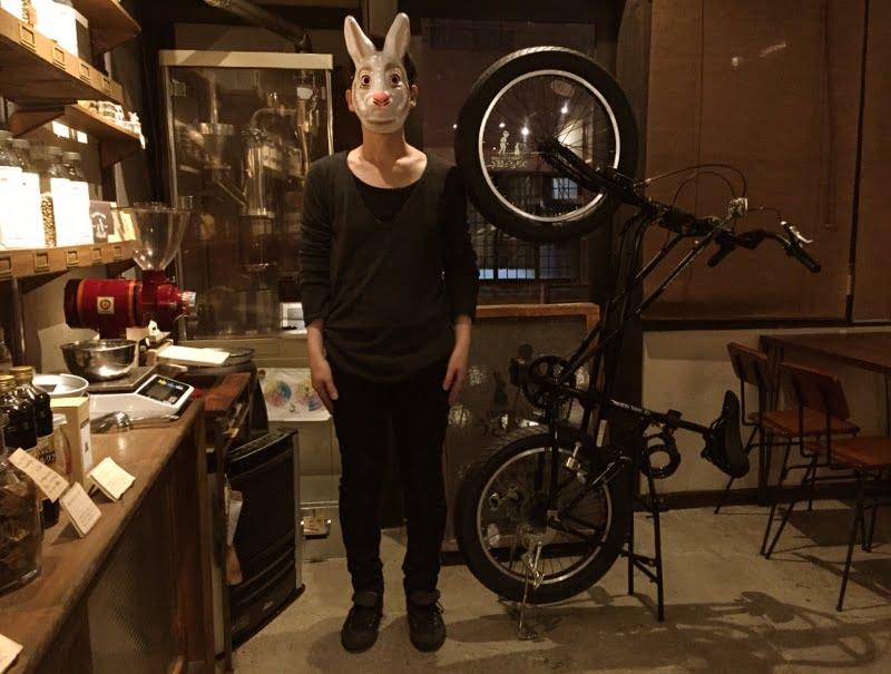なんと自転車が直立します