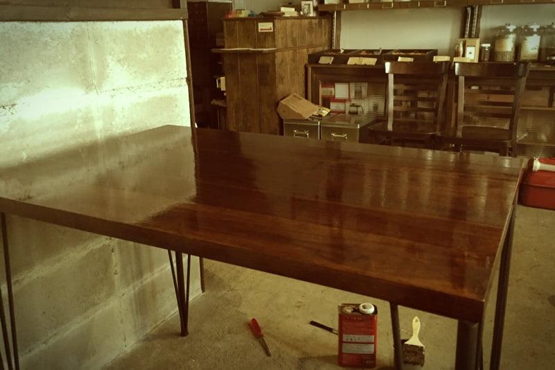 テーブルのオイルも少し塗りました