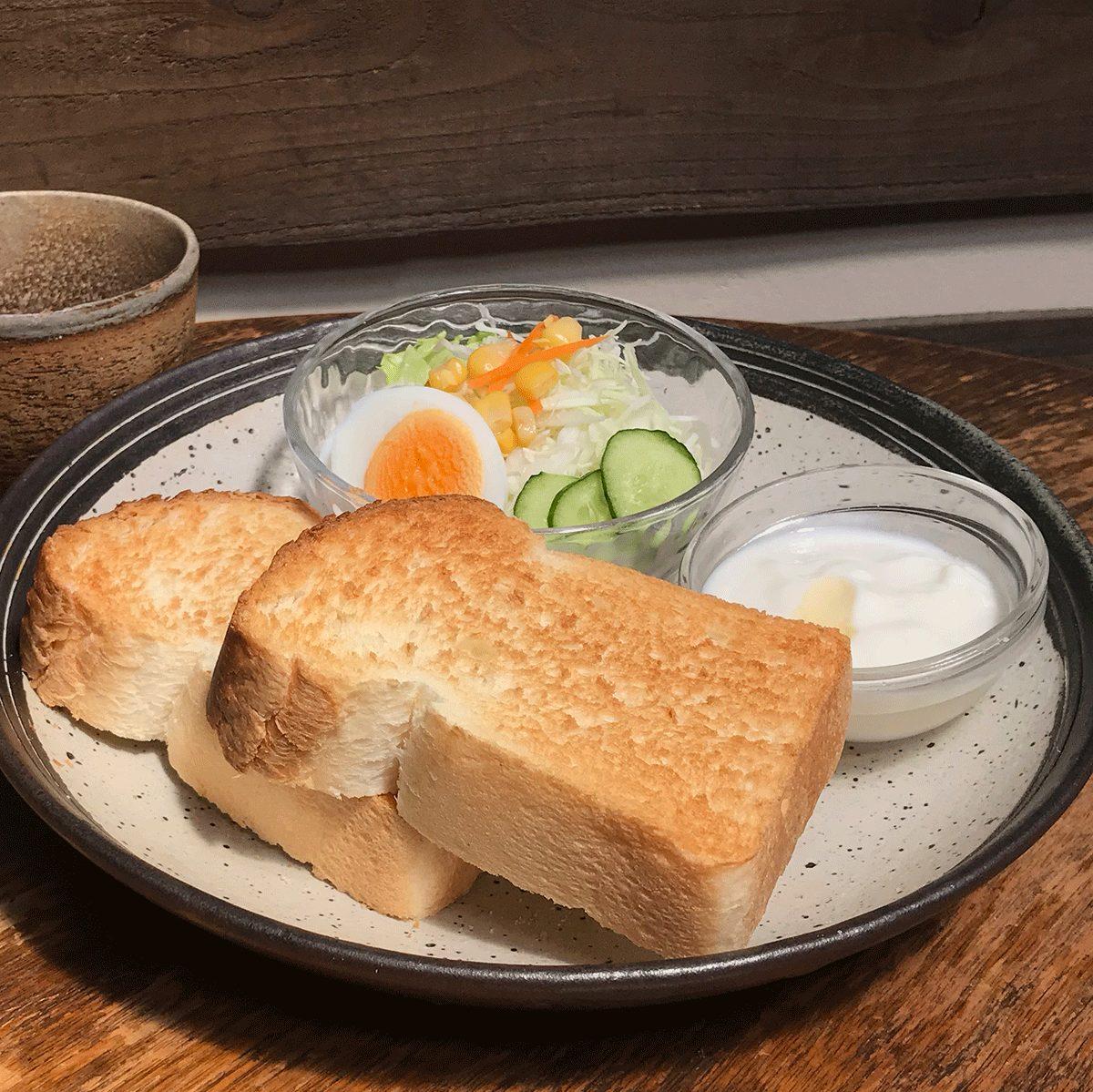 Usaboku's Breakfast: Buttered toast set